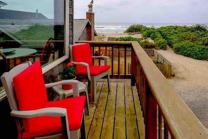 Cannon Beach House    AMAZING OCEAN VIEWS