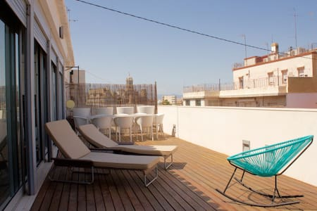 SPECTACULAR PENTHOUSE IN THE HEART OF VALENCIA - València
