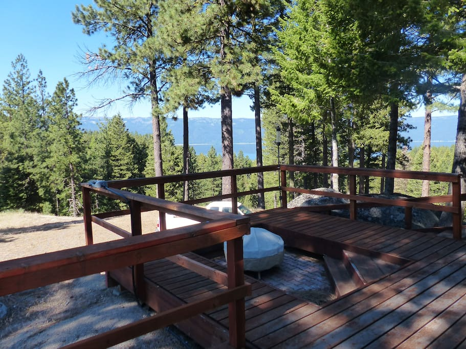 Built-in fire pit with views of Lake Cascade