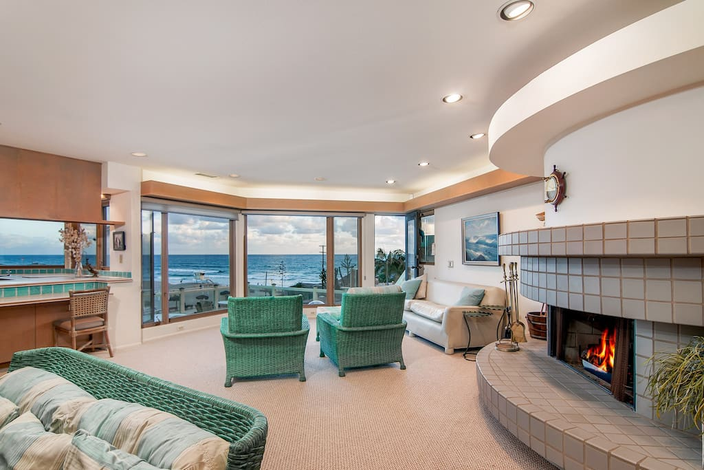 Impressive wall-to-wall windows offer stunning views of the Pacific.