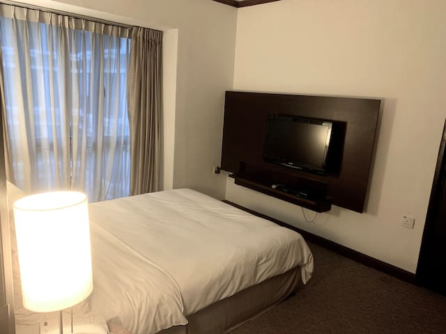 Classic One Bedroom Premier Apt located in Orchard
