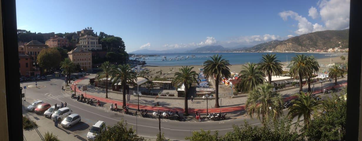 I Girasoli apartment - amazing view over the sea.