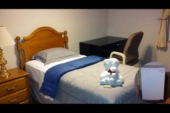 Bonito cuarto entre Disney & Legoland