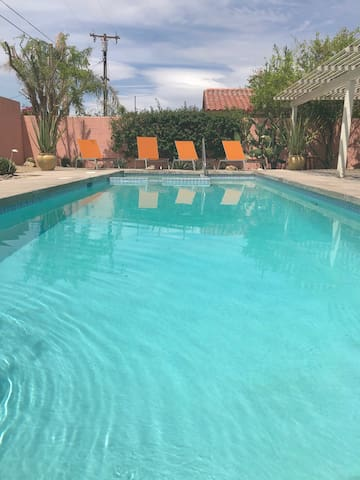 Prime Location!!! Walking distance to El Paseo.