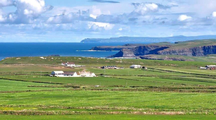 Coastal Cottage, Kilkee Ireland - Kilkee - Talo