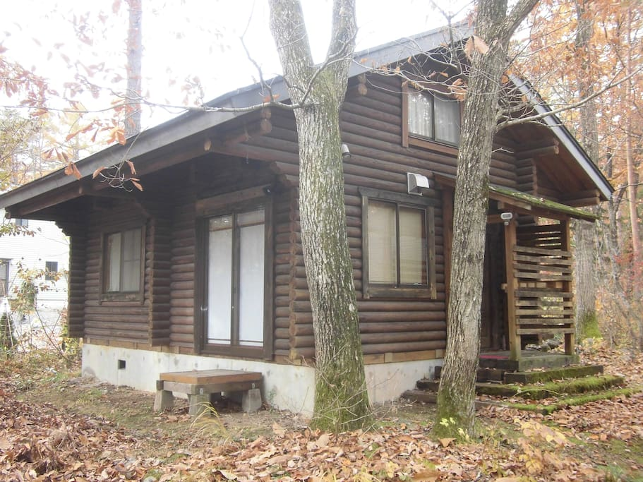 Self contained log cabin cottages for rent in hakuba for Self contained cabin