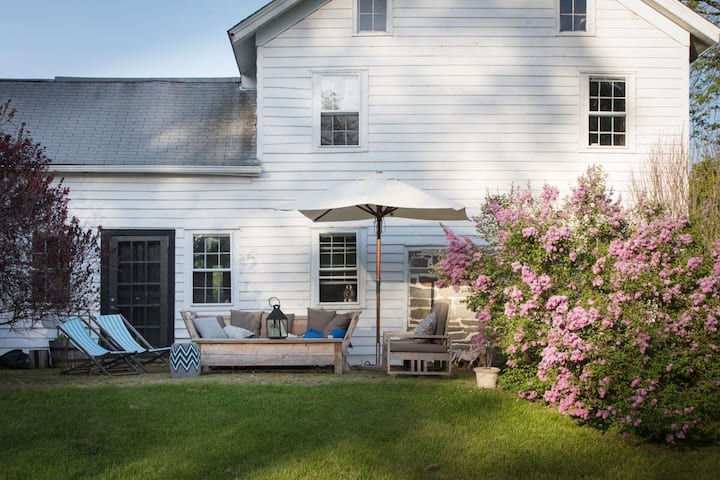 1700s Farmhouse Living in the Hudson Valley