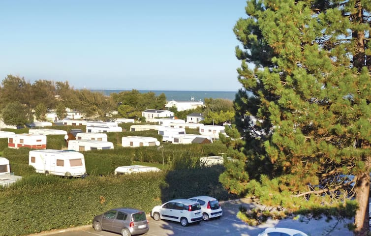 Holiday apartment with 1 bedroom on 35m² in Grandcamp Maisy