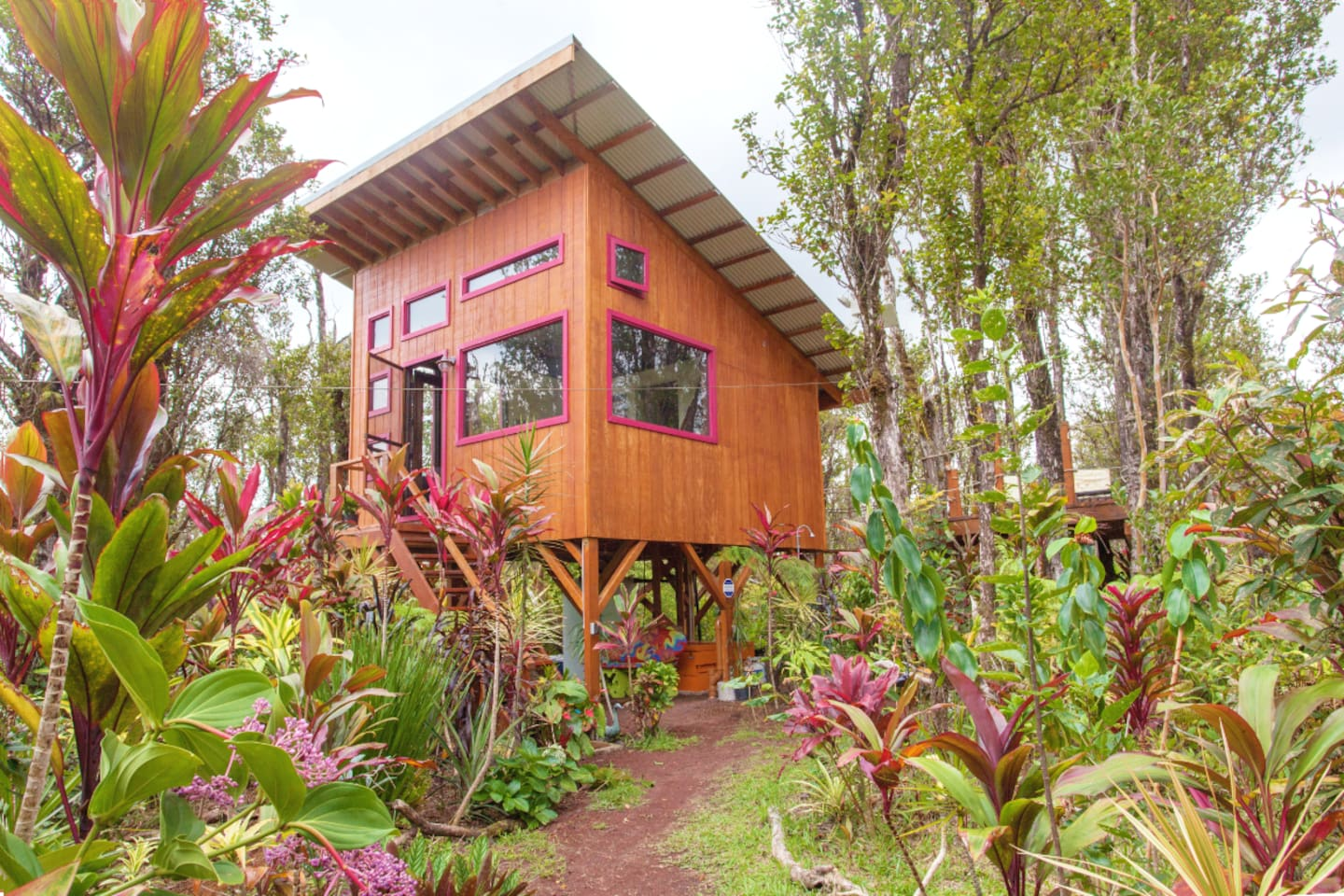 Nestled in the Ohia jungle, this getaway is perfect for couples looking for a retreat into nature