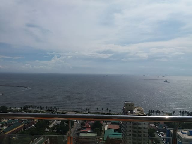 Malate Bayview Mansion 28 with balcony seaview