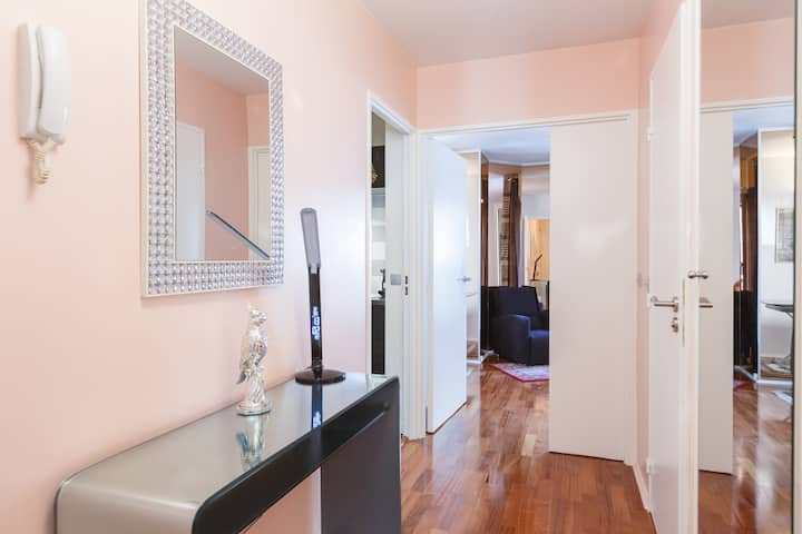 Beautiful Flat WAGRAM-CHAMPS ELYSEES