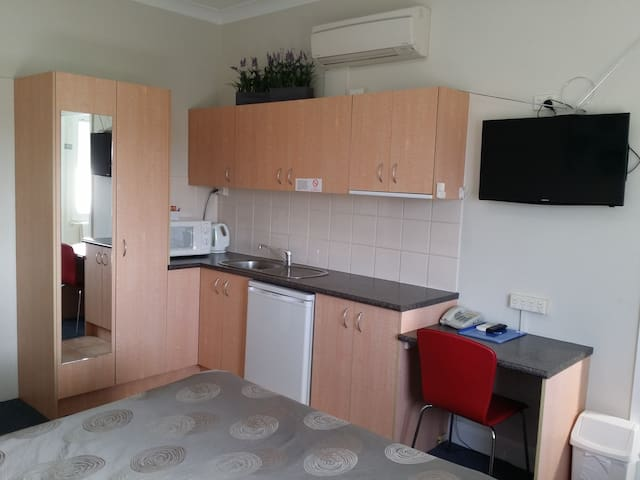 Superior Studio Apartment - Clayfield - Appartement