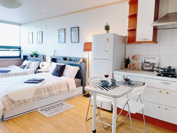 【1mins From Ewha St】Cozy Studio Home Free Wifi
