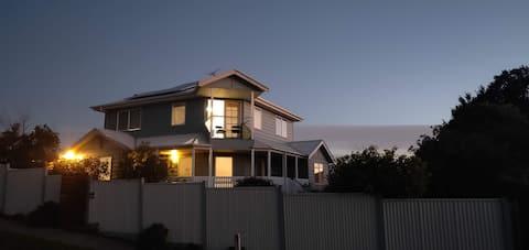 Spacious, modern home close to town/hospital/beach
