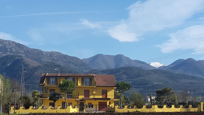 quiet house surrounded by fields - Sant'Elia Fiumerapido - Apartament
