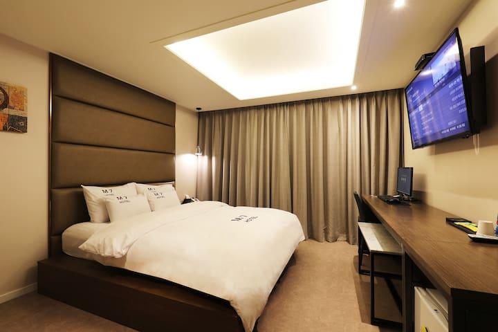 용인에 위치한 깔끔한 객실 컨디션을 가진 부띠끄 호텔! VIP 객실