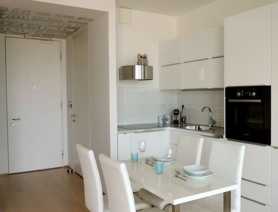 Magic White app. - Kitchen and dining room.