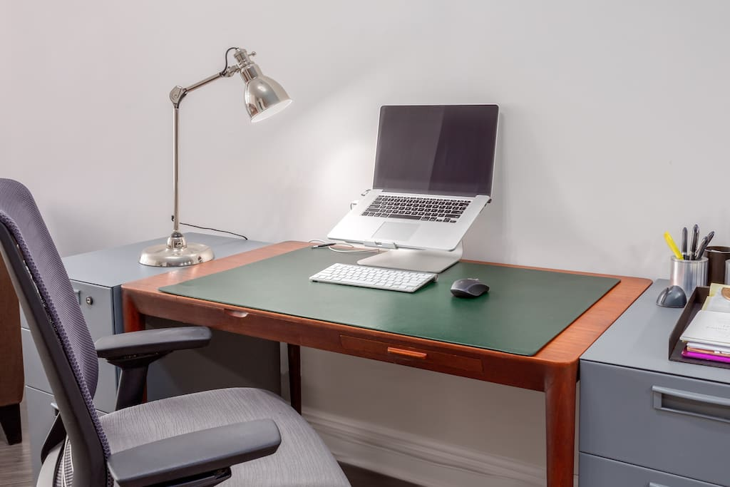 Coming to Durham for work? You'll have plenty of desk room to get work done. Laptop not included ;)