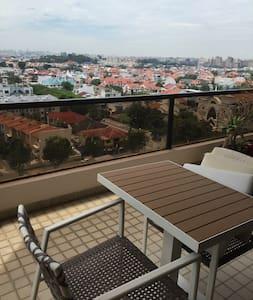East Coast Rd apartment ideal for couples - Singapore - Condominium