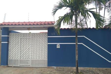 Casa de praia Próximo ao shopping Serramar