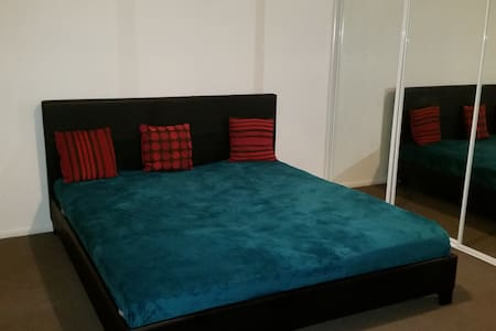 Master Bedroom with King Size Bed - Birkdale - House