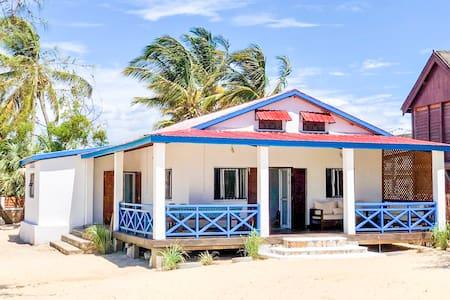 Villa A.TIA  vacances au bord de la mer