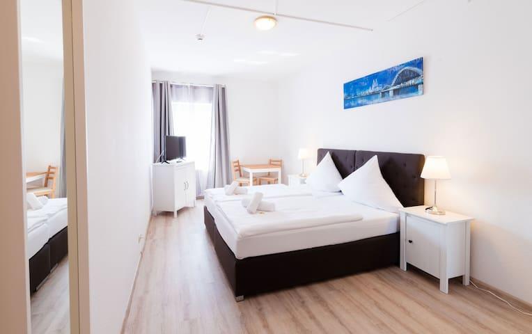 Hotel Bergheim Room 004