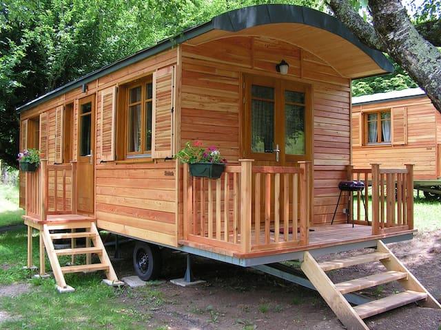 Roulotte tout confort dans notre camping**** - Seilhac - Andre
