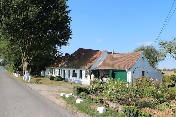 Charming house Kortrijk/Zwevegem - Kortrijk