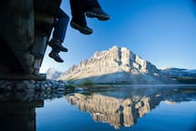 Come and explore this fantastic natural playground, teeming with high mountain peaks and refreshing glacial lakes.