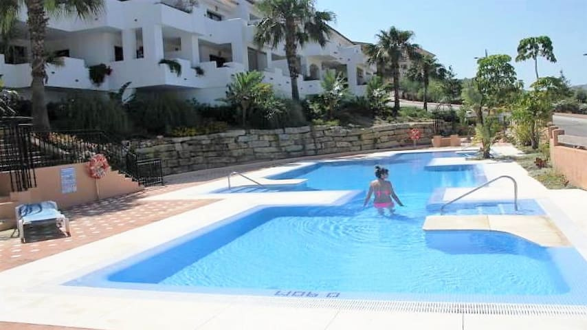 ANDALUSIA, luxury apartment 4 pers. sea side