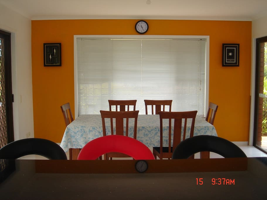 A quiet and clean place with all the conveniences houses for Beds jindalee