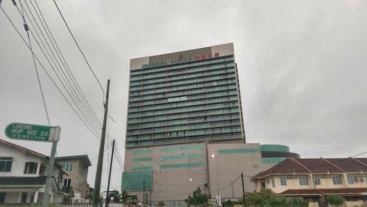 Imperial Suites - Corner Unit with 270° View