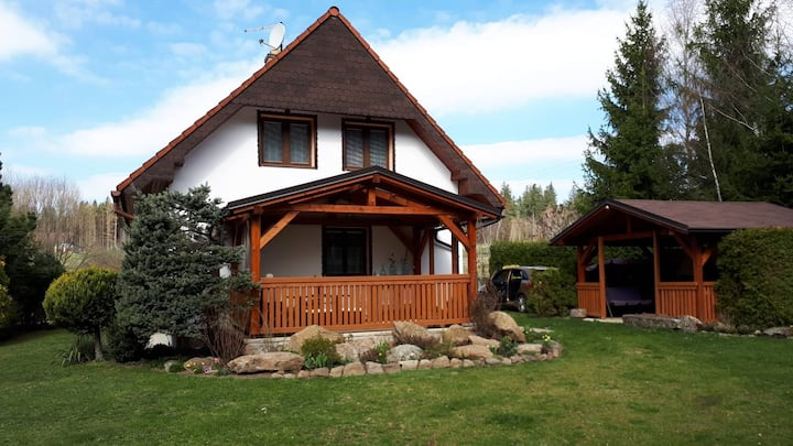 Tiché místo v přírodě, dobré pro odpočinek a relax