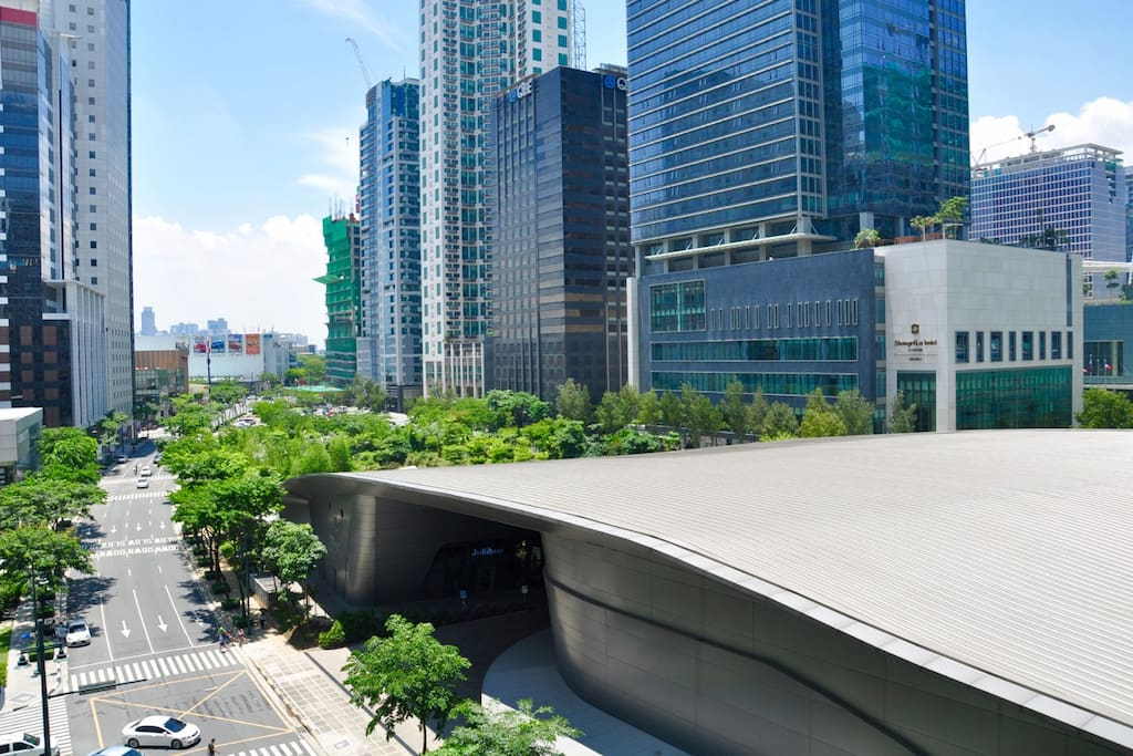 Room 1: view from the Balcony. Shangri-La home, mind museum, BGC skyline