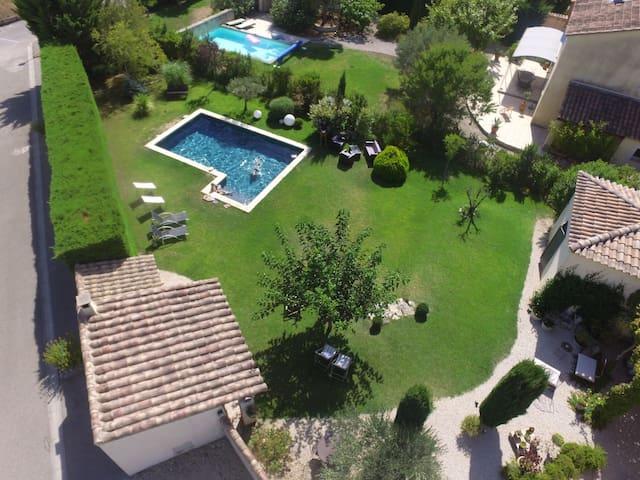 Charme d'une maison provençale pernoise