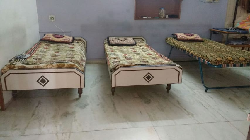 Shared Dorm - Gandhinagar - Casa