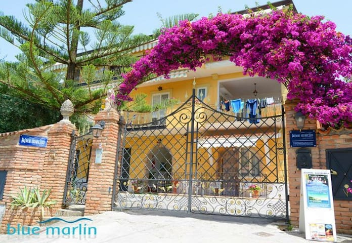 Residence Blue marlin - Marina di Camerota - Bed & Breakfast