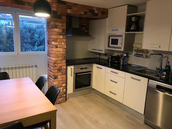 Reformado apartamento luminoso WIFI / Aire AC