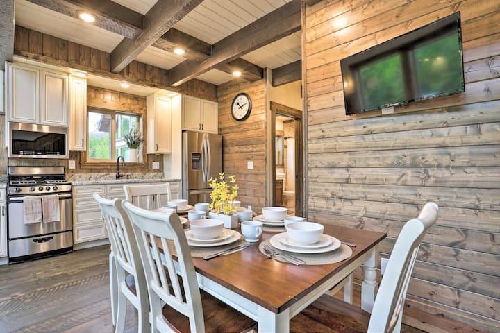 Modern Palmer Cabin w/Lazy Mtn View, 2 Mi to River