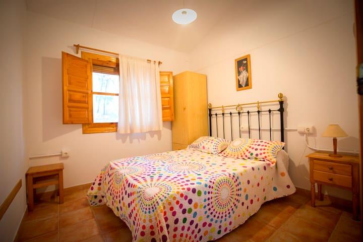 Interior alojamiento: habitación matrimonio