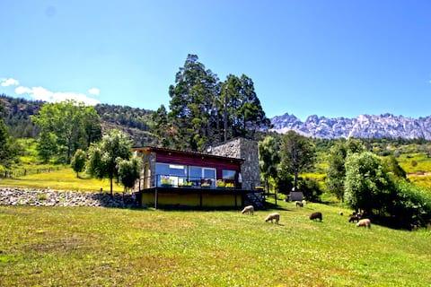 """Casa de Montaña """"La Escondida"""""""