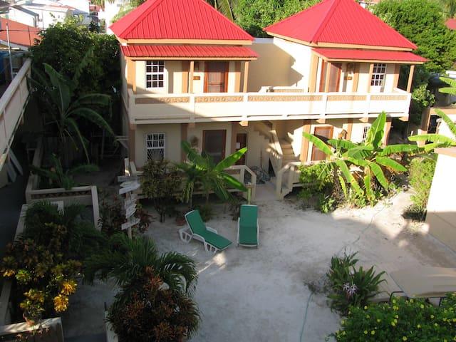 Marin's Guesthouse Sun, Gecko Units - Caye Caulker - Appartamento