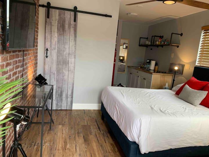 Perfect Getaway Studio in Wilton Manors