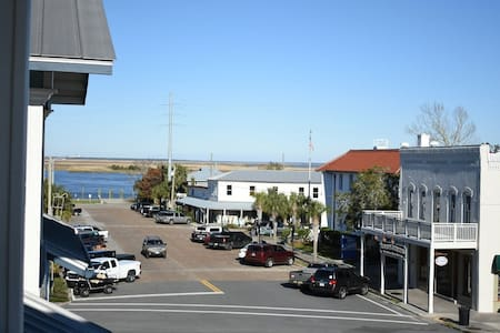 The Eagles Nest in Apalachicola