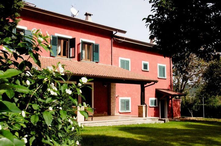 Tenuta Mandia Agriturismo La Tavernola (room n. 2)