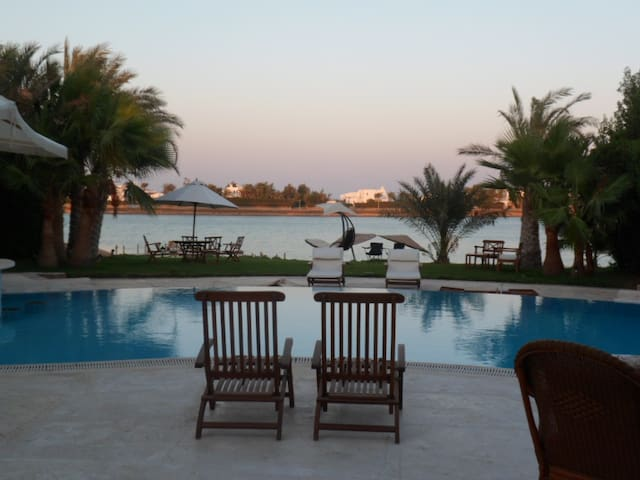 luxurious 4 bedroom villa ph 4, w/ private pool
