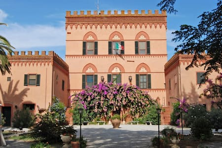 Villa Emilia - historic dwelling  for your holiday - Villa
