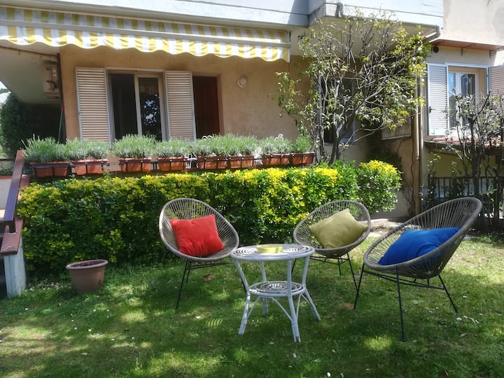 Apartment with garden in Versilia