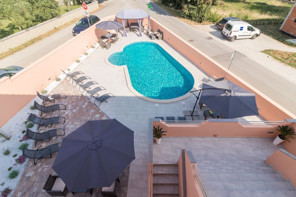 Shared pool (heated) and terrace